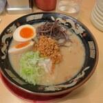豚とろ - 料理写真:半熟玉子入り豚とろラーメン(普通)(1000円)