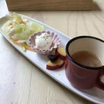 レストラン寿楽 - 料理写真:前菜  キャベツのマリネ風 お豆腐のような甘めのチーズ? 甘酸っぱいサツマイモ コンソメスープ
