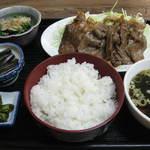 釣吉ラーメン - 料理写真:生姜焼き定食780円