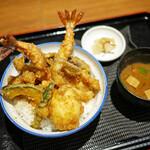 133572705 - 特製天丼 ¥990(税込)