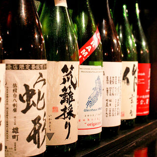 人気日本酒から、マニアック日本酒まで30種類以上の取り揃え