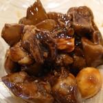 鶏惣菜 匠 - 鶏きもの赤ワイン煮450円