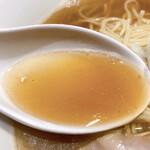 133577986 - 肉そば(中)のスープ