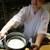 もと井 - その他写真:土鍋で炊きたての ごはんを紹介する大将。(画像の掲載許可済み)     2020.07.18