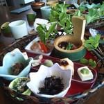 旬菜料理 花のれん - 花かご弁当