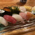 魚正 - 料理写真:松にぎり 2200円税込 岩手産のウニが甘く、口の中でとろけました。