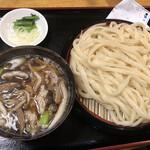 武蔵野うどん たまや - 肉きのこ汁うどん 中盛り@980円
