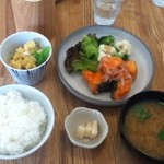コバト - 今日のごはん(鮭の南蛮漬け)850円