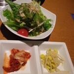肉亭 ナカムラ - サラダ・キムチ・ナムル(肉亭ランチ)
