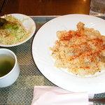 ぴらふ屋ぴかんて - カリカリ鶏とマスタード