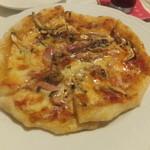 プリムローズ - きのことベーコンのピッツア