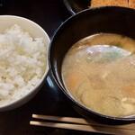 Tonkatsuyamamoto - ご飯、豚汁⁈
