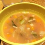 マヌエル マリシュケイラ - 豆と野菜のスープ。まったりさっぱり美味しい。