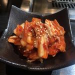 本格焼肉 寿香苑 あまつぼ - 白菜キムチ