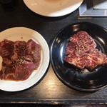 本格焼肉 寿香苑 あまつぼ - カルビ(左) 濃厚さがり(右)