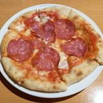 13363800 - サラミとモッツァレラチーズのピッツァ