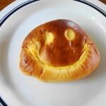 ブーランジェリー テッコナ - クリームパン
