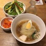 ぴょんぴょん舎 Te-su - ミニ冷麺