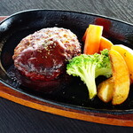 CAFE食堂.キズナ - 【ディナーセット】名寄天牛ハンバーグ