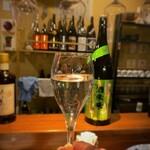 らく天 - らく天@小樽 栄光富士 純米大吟醸 無濾過原酒 酒未来 フルーティーな白ワインのような飲み口