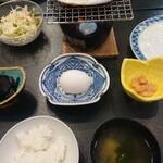 国賀荘 - 卵は、生玉子でした。朝ごはんは、向い合わせ・・・