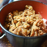 長生庵 - 甘辛で美味しい牛肉をオンザライス