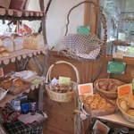 杜のパン屋 - 美味しそうなパンがズラリ!