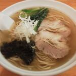 らーめん 光! - 料理写真:ラーメン(塩)(750円)+大盛(100円)