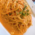 デリ&カフェ ドルチェヴィータ - ズワイガニのトマトクリームソースパスタ