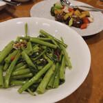 横浜大飯店 - 空芯菜のニンニク炒め