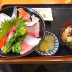133681776 - 海鮮丼1200円