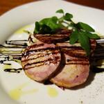 クッキン - 鴨胸肉とフォアグラのガランティーヌ バルサミコのソース。
