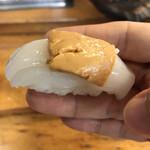 美よし鮨 - 料理写真:マンボウ肝のせ