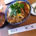親味 - 料理写真:カツ丼¥600