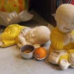 タイの食卓 オールドタイランド - お地蔵さんがお出迎え
