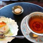 香茶庵 - 紅茶(ダージリン)とココナッツムース◎2009/3