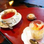 香茶庵 - 紅茶(ウバ)とココナッツムース◎2009/3