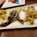 卯屋 - 夏キノコの天ぷら。