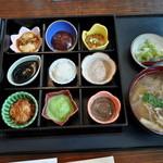 13371758 - ふじせい餅膳(1575円)