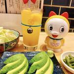 桜町笑店 - アボカドのお刺身