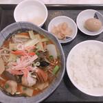 華龍飯店 神保町 - 野菜煮込み