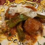 133719671 - アンディパストの、豚肉のボルベッタと甘長ピーマンのトマト煮です