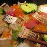 すずきの - 炙られた魚は太刀魚とカマス