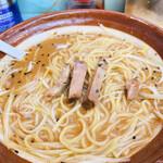 ラーメン丸仙 - 白髪ねぎを麺の下へ