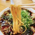 新福菜館  - 麺リフト!