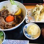 松山 力みなぎる完全無欠うどん 空太郎 - 極上の肉うどんと半熟玉子天と舞茸天の追加