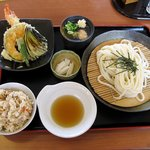 輝良里 - 輝良里定食(880円)