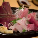居酒屋でんすけ - 料理写真:高知直送 地魚盛り