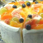 アランチャ - フルーツたっぷりのショートケーキ(秋)