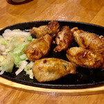 麺酒一照庵 - 鉄板鶏皮ギョーザ❣️